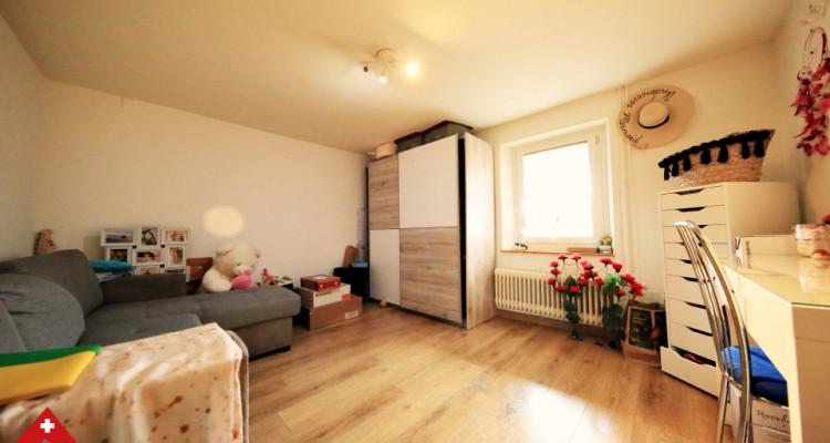 Bel appartement 4.5 pièces / 3 chambres / Balcon, véranda et jardin image 6