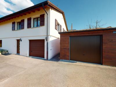 Belle villa dans un quartier paisible à Vauderens image 1
