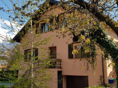Villa familiale à rénover avec magnifique jardin image 1
