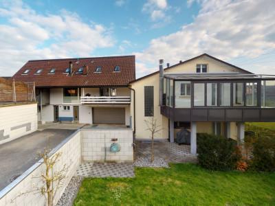 Gepflegtes Mehrfamilienhaus mit vier Wohneinheiten image 1
