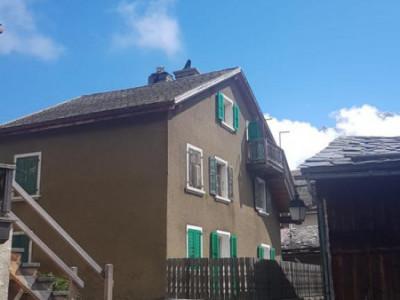 Maison au coeur du village avec splendide vue à rénover image 1