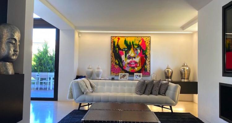 Fabuleuse propriété entièrement rénovée de 5 chambres  image 3