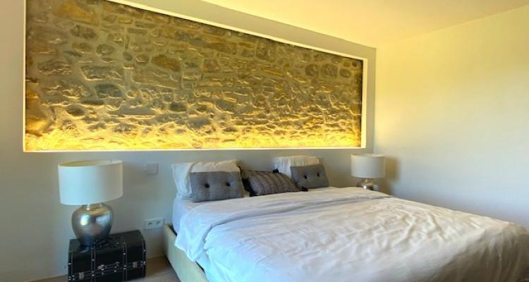 Fabuleuse propriété entièrement rénovée de 5 chambres  image 6
