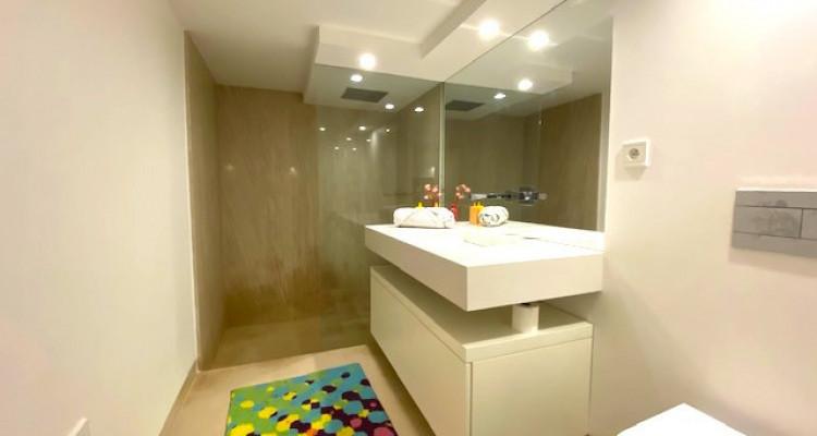 Fabuleuse propriété entièrement rénovée de 5 chambres  image 11