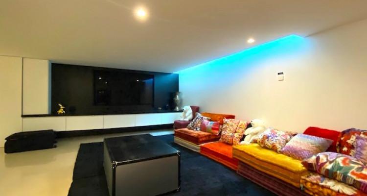 Fabuleuse propriété entièrement rénovée de 5 chambres  image 12