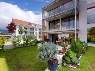 Moderne und hochwertige 3½ Zi-Wohnung mit wertvollem Aussenbereich image 1