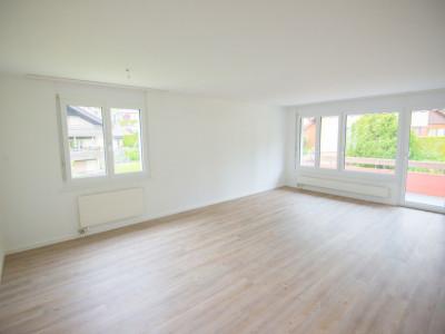Renovierte 4.5-Zimmerwohnung mit grossem Balkon image 1
