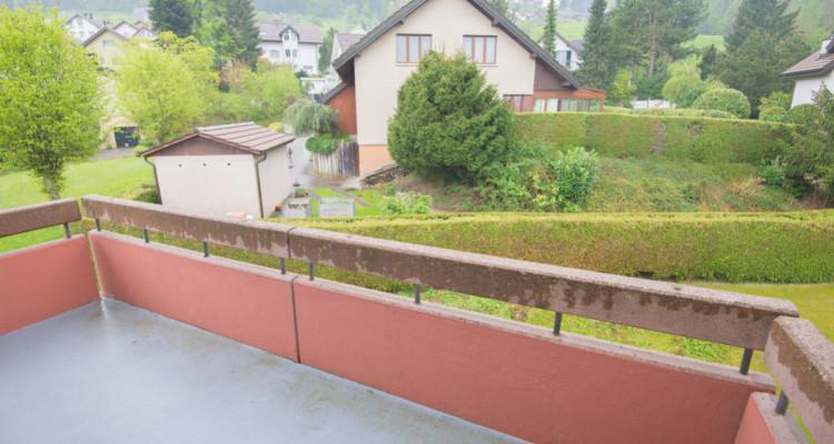 Renovierte 4.5-Zimmerwohnung mit grossem Balkon image 3