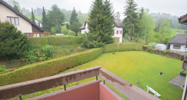 Renovierte 4.5-Zimmerwohnung mit grossem Balkon image 4