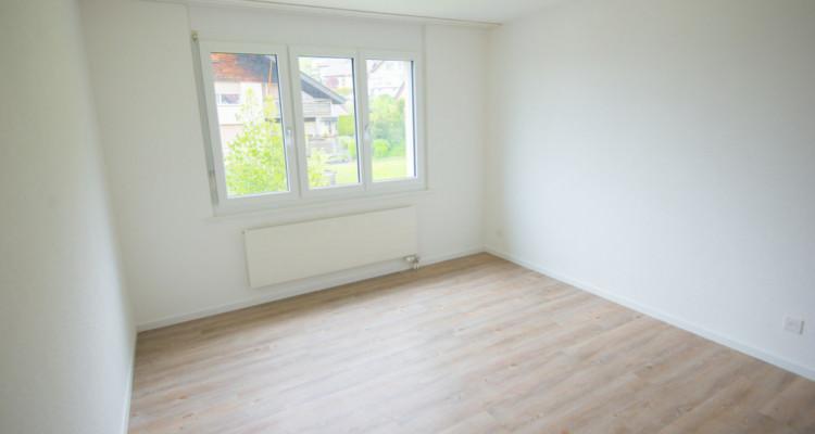 Renovierte 4.5-Zimmerwohnung mit grossem Balkon image 6