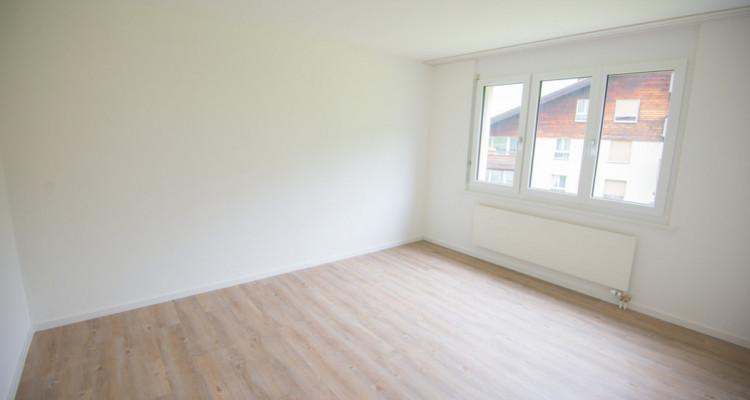 Renovierte 4.5-Zimmerwohnung mit grossem Balkon image 8