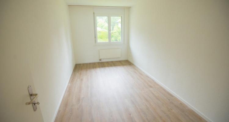 Renovierte 4.5-Zimmerwohnung mit grossem Balkon image 9