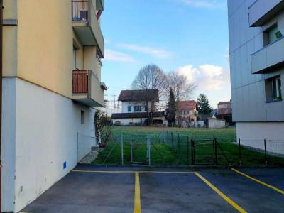 Place de parking extérieure à Bussigny image 1