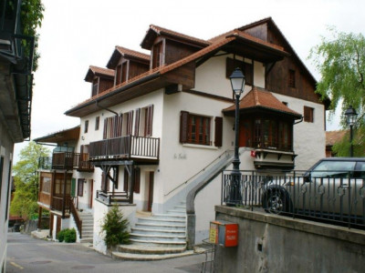 150m2 beautiful apartment with panoramic views over the lake and the Alps image 1