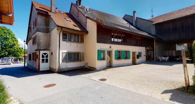 Maison dhôte et appartement de rendement à 2 pas du golf de Vuissens! image 1
