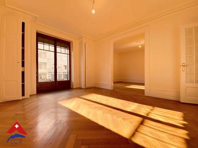 Magnifique appartement spacieux de 5.5 pièces / 2 chambres / balcon  image 1