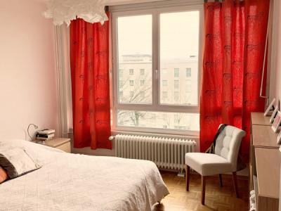 Magnifique appartement en attique de 3 pièces / balcon  image 1