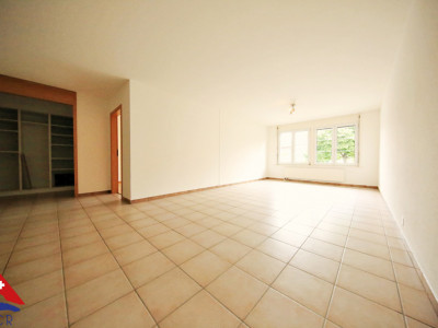Bel appartement 2.5 p / 1 chambre / SDB / Calme image 1