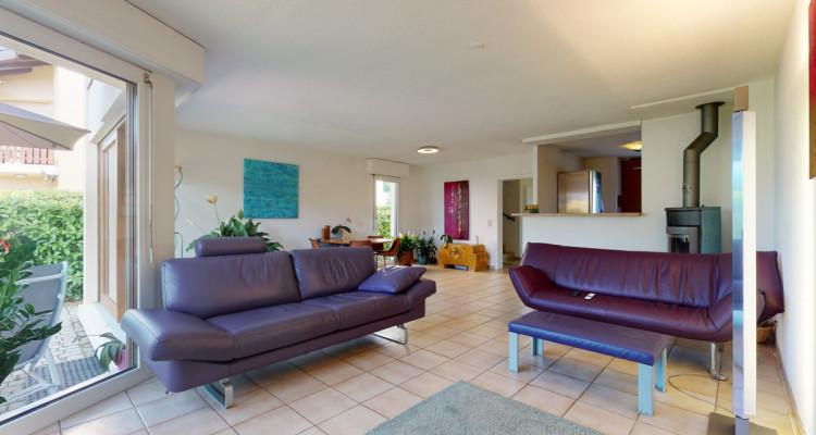 Maison avec jardin au coeur dun quartier résidentiel image 3
