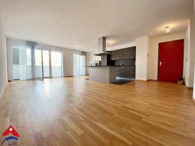 Superbe appartement 3.5 P / 2 chambres / Balcon / Commerces  image 1