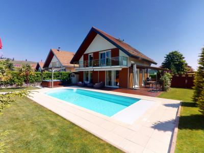 Villa de 4 niveaux aménagés - Jardin, piscine, jacuzzi, fitness image 1