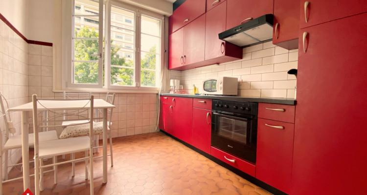 Magnifique studio meublé / balcon  image 3