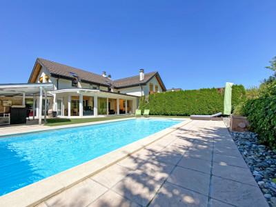 FOTI IMMO - Magnifique villa de 6,5 pièces avec piscine ! image 1