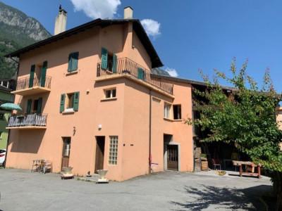 Maison villageoise 5 pièces, avec annexes et grange image 1
