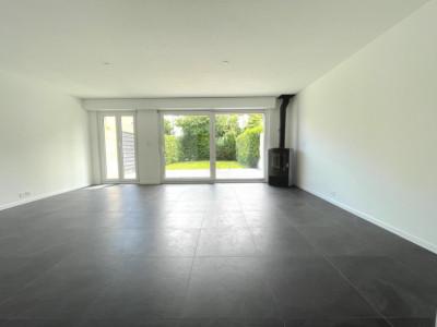 Villa contiguë de 125m2 avec 4 chambres entièrement rénovée image 1