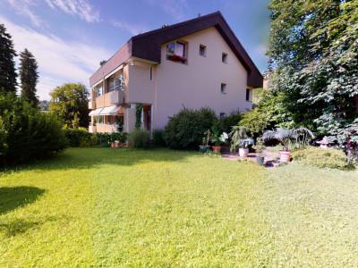Superbe appartement avec grand balcon et accès au jardin image 1