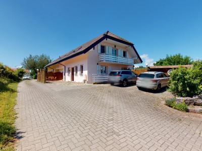 Villa jumelle sur 4 niveaux - Splendide jardin et terrain piscinable image 1