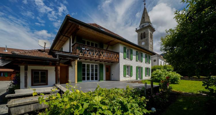 Belle maison historique bien entretenue au centre de Villarvollard image 1