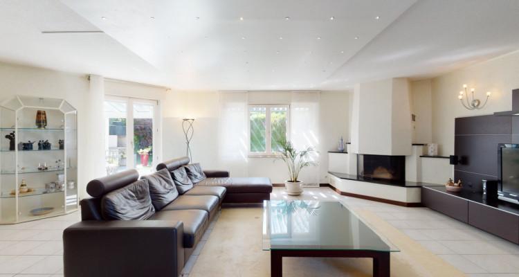 Spacieuse villa jumelle sur 4 niveaux, au coeur de Bogis-Bossey. image 2