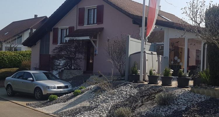 Villa individuelle  de 6 pièces dans quartier calme et résidentiel image 1