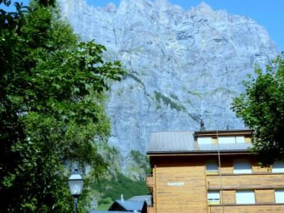 CHARMANT STUDIO AVEC BELLE VUE SUR LES MONTAGNES image 1