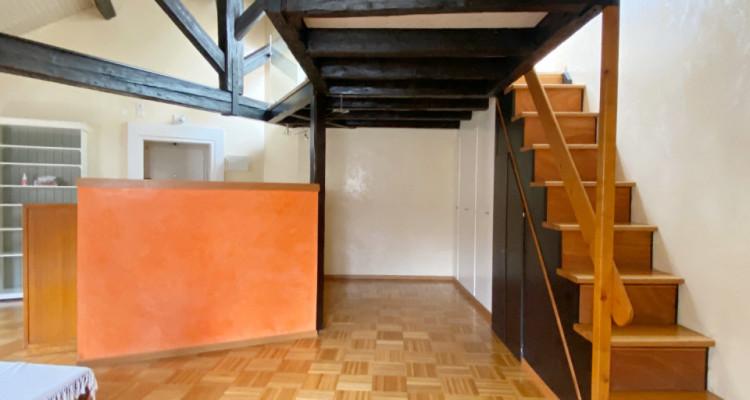 Appartement 2,5 pièces au dernier étage. image 4