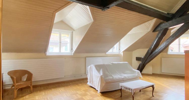 Appartement 2,5 pièces au dernier étage. image 5