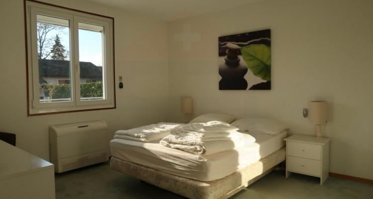 Villa de plain-pied de 6 pièces au calme. image 7