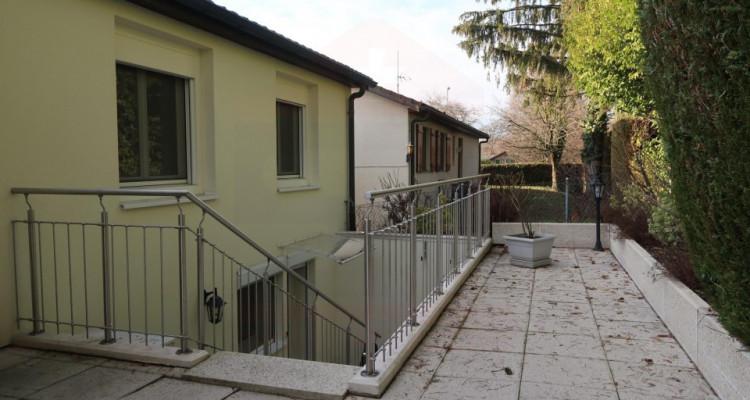 Villa de plain-pied de 6 pièces au calme. image 12