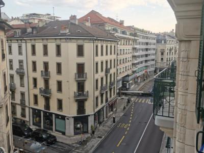 Grand 2 pièces aux Eaux-vives avec balcon image 1