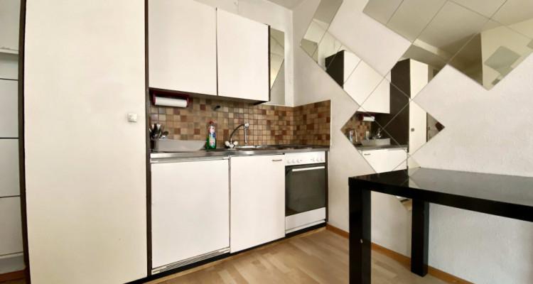 Magnifique appartement meublé de 3 pièces / entièrement rénové  image 2