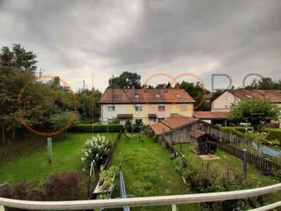 Jolie maison contiguë avec terrasse et jardin, idéale pour famille ! image 1