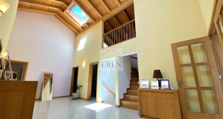 Villa récente et moderne de 4 logements avec vaste appartement familial 5,5p de 200m2 et 3 studios/2p loués image 13