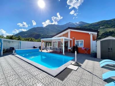Magnifique villa individuelle sur 1 niveau avec piscine extérieur chauffée et finition de hautes qualités copie image 1