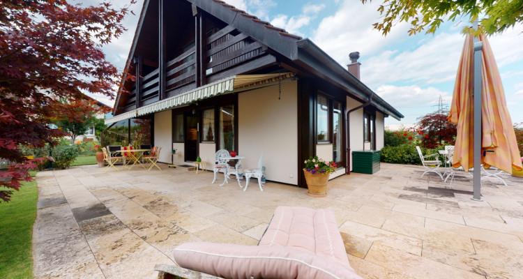 Villa individuelle avec magnifiques terrasses et jardin. image 2