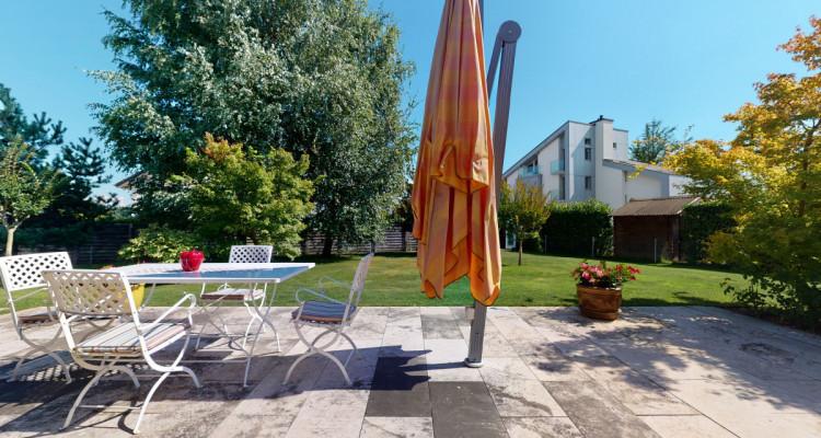 Villa individuelle avec magnifiques terrasses et jardin. image 4