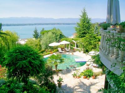 Exceptionnelle demeure à Cologny avec une vue époustouflante sur le Lac Léman image 1