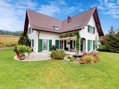 Einmalige Gelegenheit: Exklusives und heimeliges Einfamilienhaus image 1