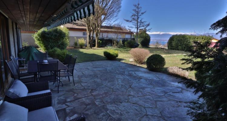 EXCLUSIVITÉ Maison villageoise de 7 pièces avec la vue sur le lac. image 3