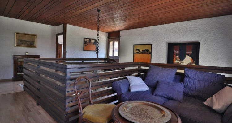 EXCLUSIVITÉ Maison villageoise de 7 pièces avec la vue sur le lac. image 9